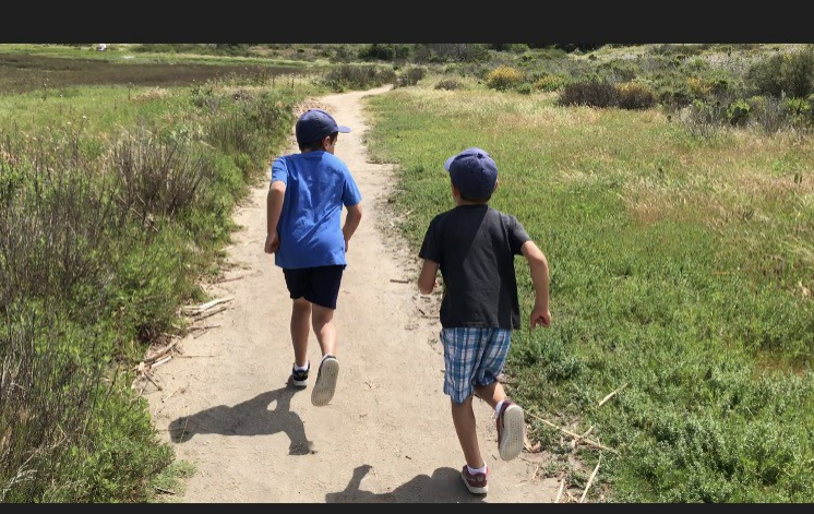 5 Tips For Raising Healthier, More Active And More Mindful Children In A Tech-Obsessed World (Elisette Carlson For Thrive Global)